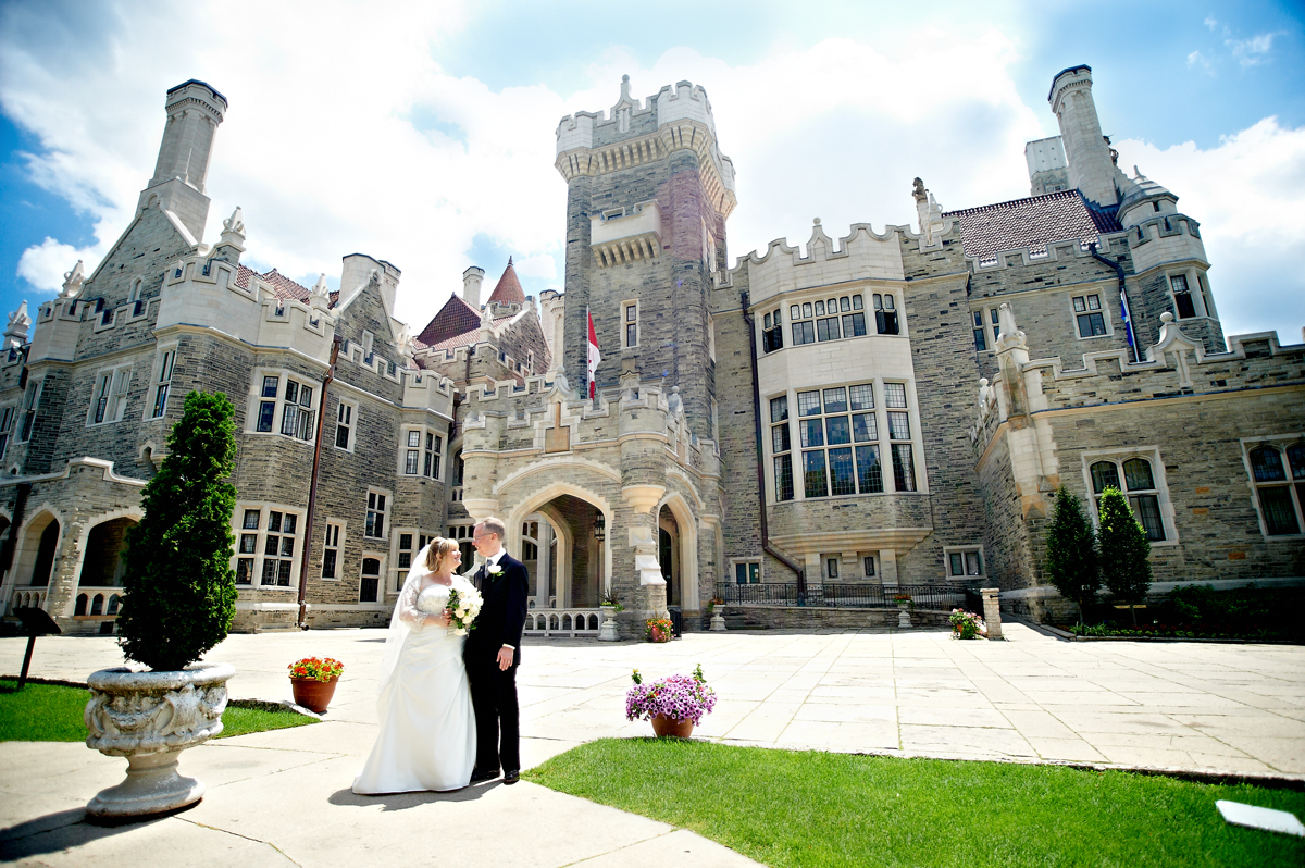A wedding fairytale at casa loma toronto wedding for Casa loma mansion toronto